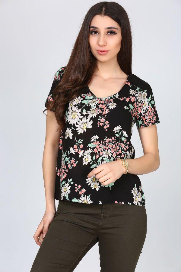 Çiçek Desenli V Yaka Patırtı Tişört Modelleri 2017