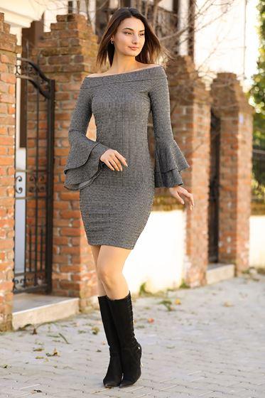 2020 Kayık Yaka Volanlı Elbise Modelleri