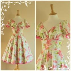 Çiçekli Vintage Elbise Modelleri