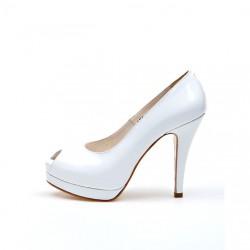 Klasik Topuklu Beyaz Ayakkabı Modelleri