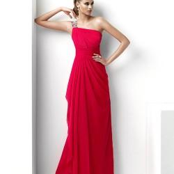 Tek Omuzlu Kırmızı Balo Elbisesi Modelleri