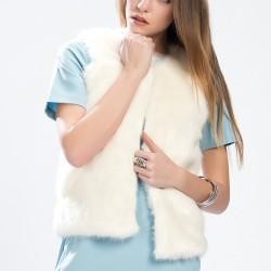 Beyaz Tüylü Yelek TopShop Yeni Sezon Modelleri