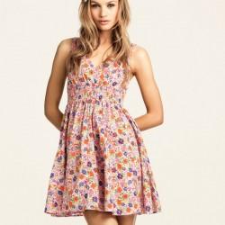 Kısa Çiçek Desenli Elbise Modelleri