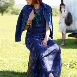 Mavi Elbise Bohem Tarz Sokak Modası Modelleri