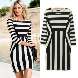 Yarım Kol Monokrom Elbise Modelleri