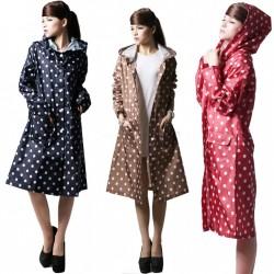 Puantiyeli Bayan Yağmurluk Modelleri 2015