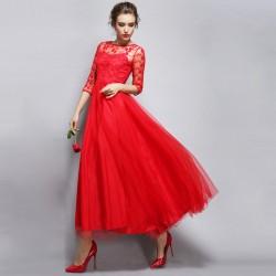En Tarz İşlemeli Kırmızı Elbise Modelleri